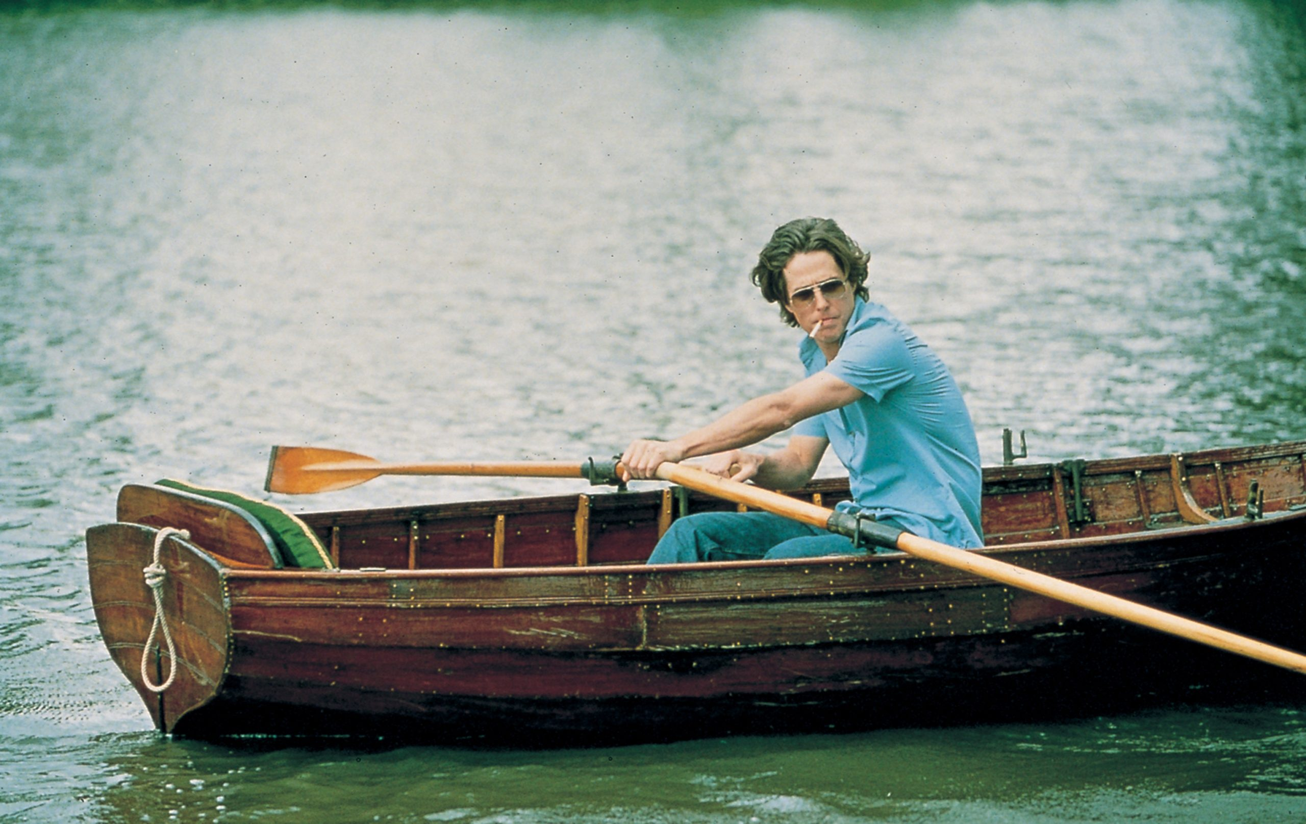 An image from Bridget Jones's Diary showing Daniel rowing a boat
