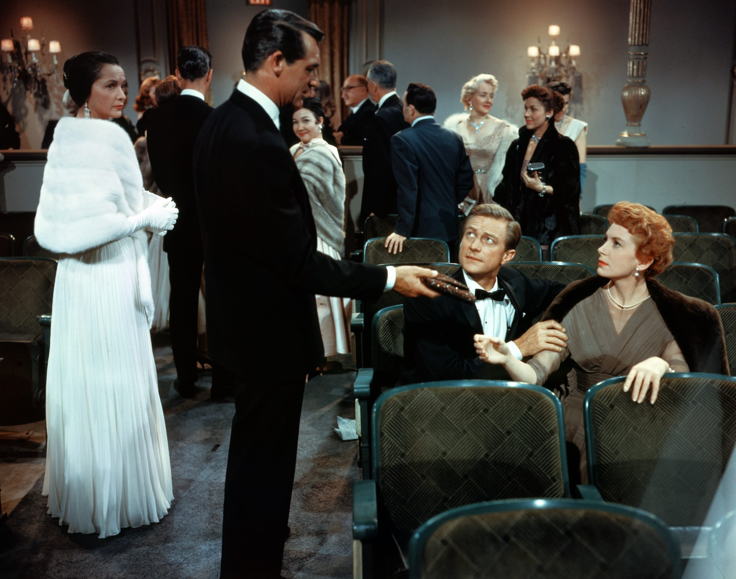 An image from An Affair to Remember showing Terry seated at the theatre when Nickie sees her