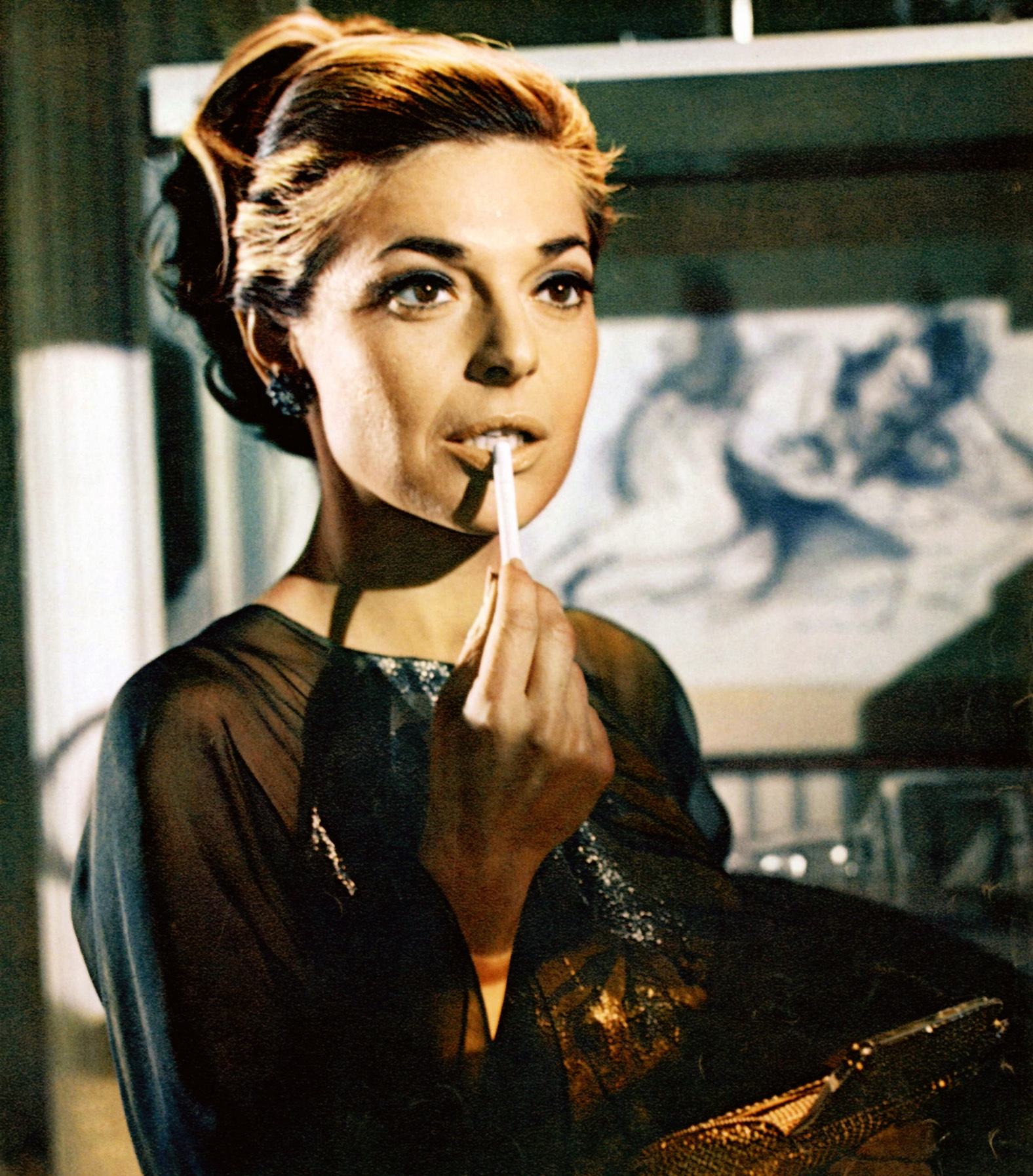 An image of Mrs Robinson