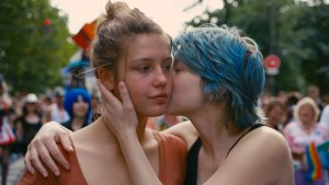 Adele and Emma kissing in Blue is the Warmest Colour