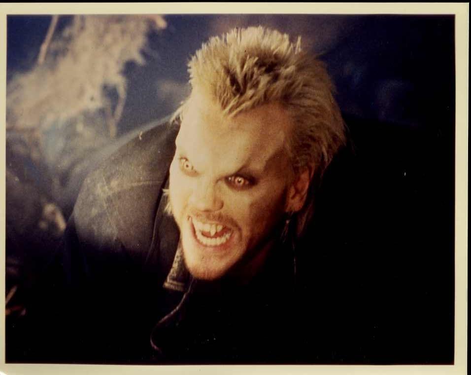 David looking full vampire from The Lost Boys